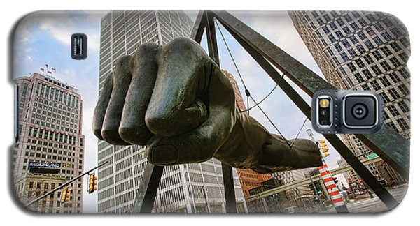 In Your Face -  Joe Louis Fist Statue - Detroit Michigan Galaxy S5 Case