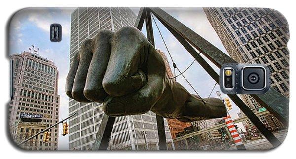 In Your Face -  Joe Louis Fist Statue - Detroit Michigan Galaxy S5 Case by Gordon Dean II