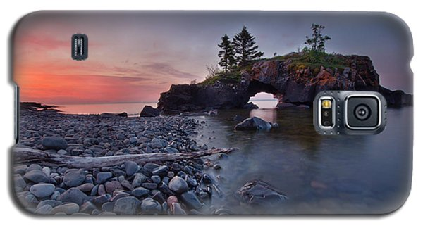 Galaxy S5 Case featuring the pyrography Hollow Rocks, North Shore Mn by RC Pics