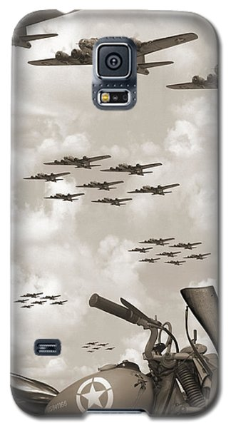 Indian 841 And The B-17 Panoramic Sepia Galaxy S5 Case by Mike McGlothlen