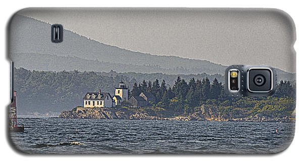 Galaxy S5 Case featuring the photograph Indian Island Lighthouse - Rockport - Maine by Marty Saccone
