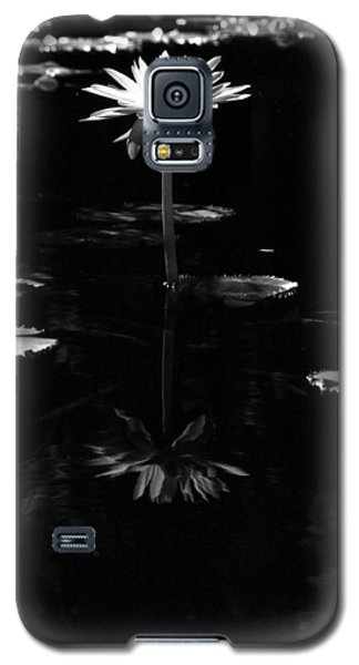 Infrared - Water Lily 03 Galaxy S5 Case
