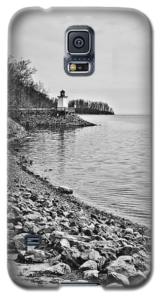 Inlet Lighthouse 3 In B/w Galaxy S5 Case by Greg Jackson