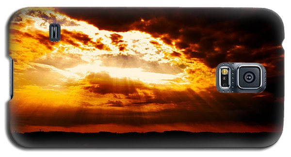 Inspirational It's Always Darkest Just Before Dawn Galaxy S5 Case