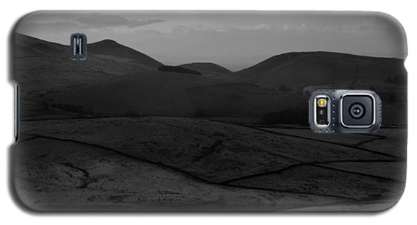 Interestingly Shaped Mountain Tops Galaxy S5 Case