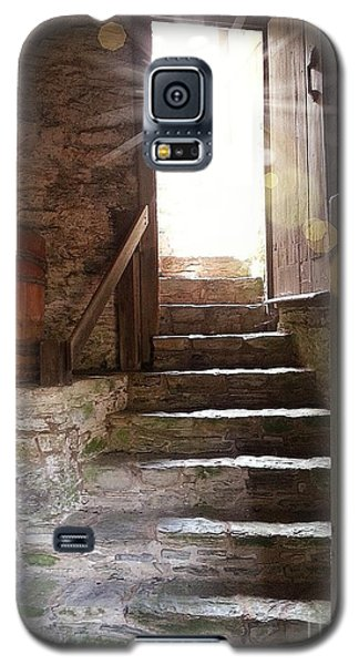 Galaxy S5 Case featuring the photograph Into The Light - The Ephrata Cloisters by Joseph J Stevens
