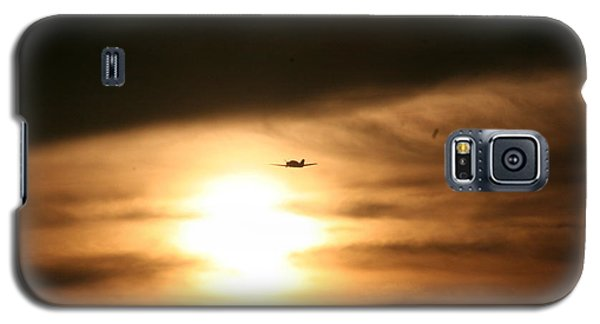 Galaxy S5 Case featuring the photograph Into The Sun by David S Reynolds