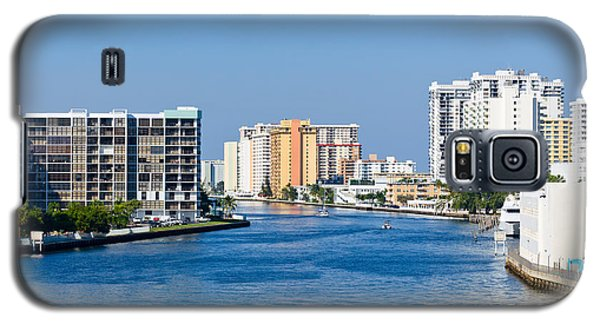 Intracoastal Waterway In Hollywood Florida Galaxy S5 Case by Les Palenik