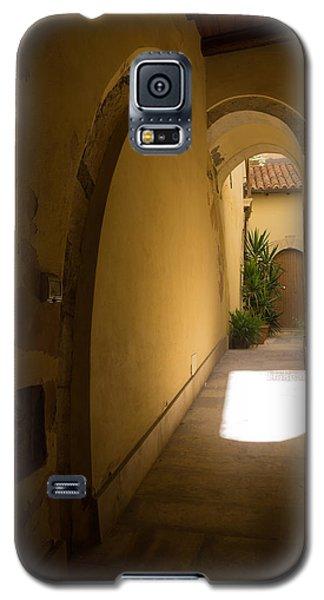 Galaxy S5 Case featuring the photograph Invitation by Georgia Mizuleva