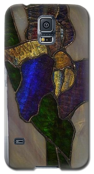 Galaxy S5 Case featuring the glass art Iris by Karin Thue