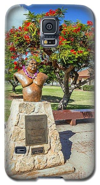 Galaxy S5 Case featuring the photograph Israel Kamakawiwoole - Bruddah Iz by Aloha Art