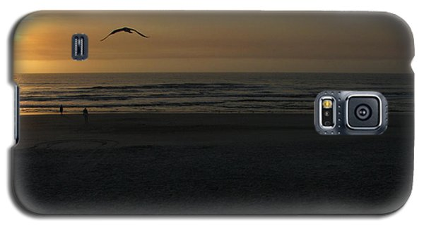 Galaxy S5 Case featuring the photograph It Starts by Greg Patzer