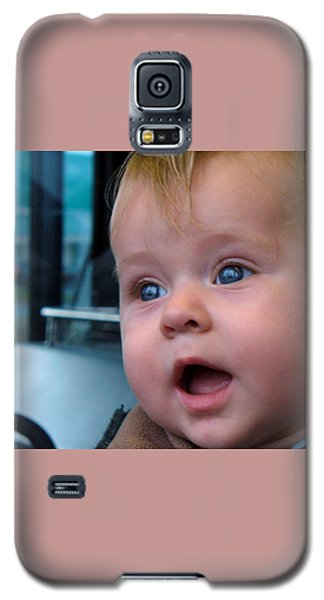 Galaxy S5 Case featuring the photograph It's A Wonderful World by Lingfai Leung
