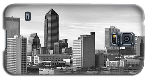 Galaxy S5 Case featuring the photograph Jacksonville Skyline Morning Day Black And White Bw Panorama Florida by Jon Holiday