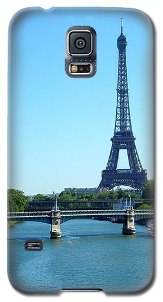 Galaxy S5 Case featuring the photograph J'adore Paris by Kay Gilley