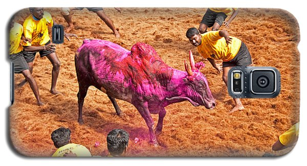 Galaxy S5 Case featuring the photograph Jallikattu Bull Fighting by Dennis Cox WorldViews
