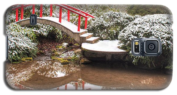 Galaxy S5 Case featuring the photograph Japanese Garden Snowfall 2 by Jeff Cook