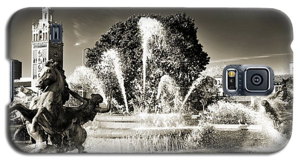 Jc Nichols Memorial Fountain Bw 1 Galaxy S5 Case