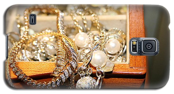 Galaxy S5 Case featuring the photograph Jewelry Collections by Ester  Rogers