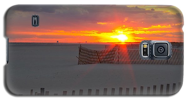 Galaxy S5 Case featuring the photograph Jones Beach Sunset One by Jose Oquendo
