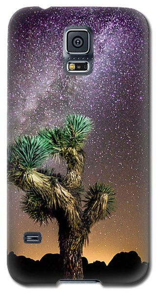 Galaxy S5 Case featuring the photograph Joshua Tree Vs The Milky Way by Robert  Aycock