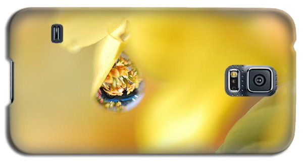 Just A Drop Of Spring Galaxy S5 Case by Susan Capuano