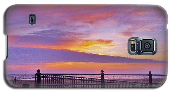 Galaxy S5 Case featuring the photograph Just Before Sunrise by Robin Coaker