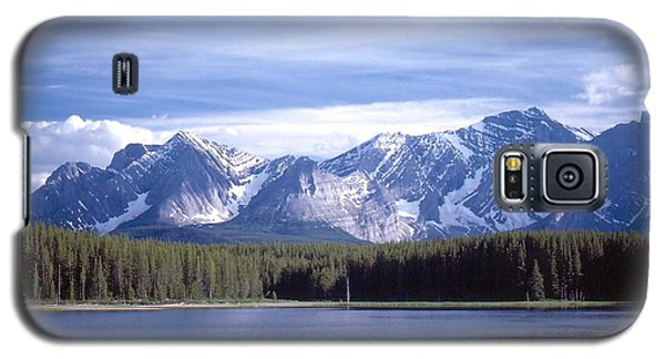 Galaxy S5 Case featuring the photograph Kananaskis Mountains Lake by Jim Sauchyn