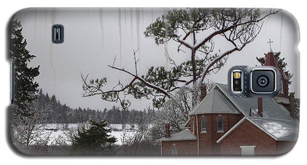 Galaxy S5 Case featuring the photograph Kansas Church by Liane Wright