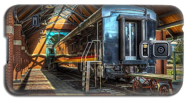 Galaxy S5 Case featuring the photograph Kansas City Southern by Ross Henton