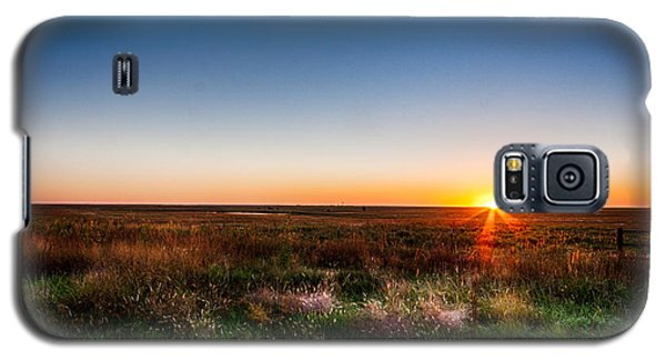 Galaxy S5 Case featuring the photograph Kansas Sunrise by Jay Stockhaus