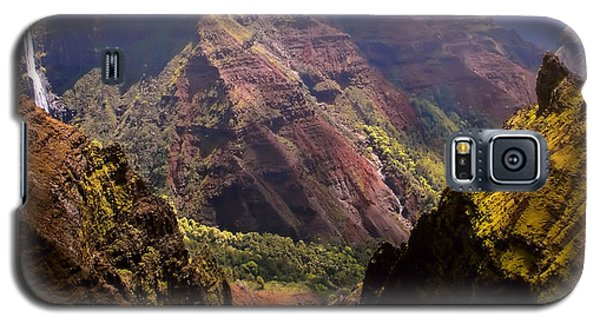 Galaxy S5 Case featuring the photograph Kauai Colors by Katie Wing Vigil