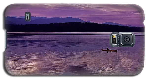 Galaxy S5 Case featuring the photograph Kayak On Dabob Bay by Greg Reed