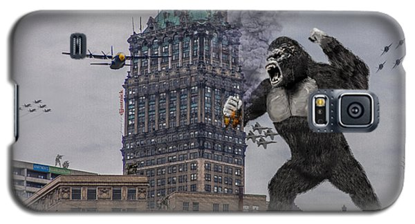 Galaxy S5 Case featuring the photograph King Kong In Detroit At Wurlitzer by Nicholas  Grunas