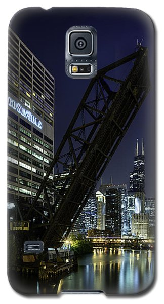 Kinzie Street Railroad Bridge At Night Galaxy S5 Case by Sebastian Musial