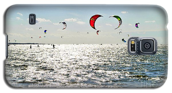 Kitesurfing In The Sun Galaxy S5 Case