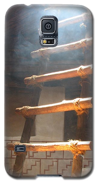 Galaxy S5 Case featuring the photograph Kiva Ladder by Marcia Socolik