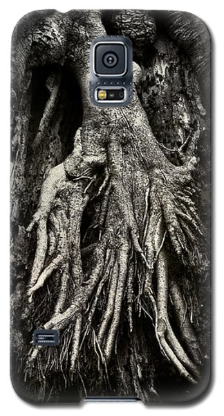 Kneeling At The Feet Of The Green Man Galaxy S5 Case by Rebecca Sherman