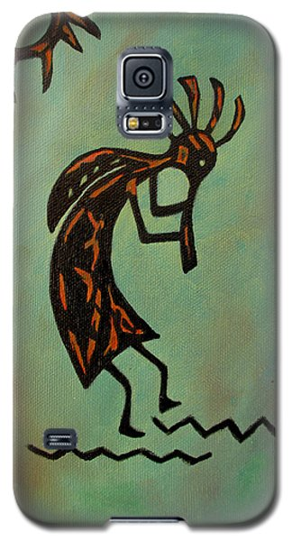 Galaxy S5 Case featuring the painting Kokopelli Flute Player by Roseann Gilmore