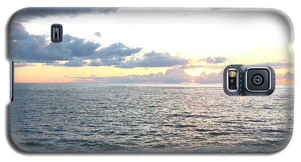 Galaxy S5 Case featuring the photograph Kona  North by Angela J Wright