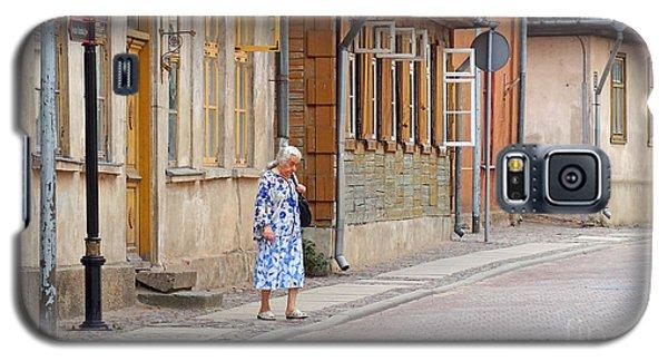 Kuldiga Street Crossing Galaxy S5 Case