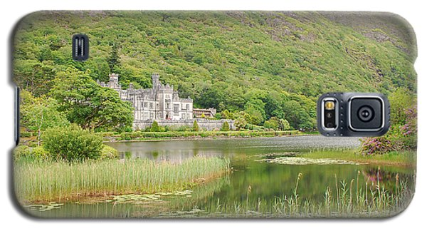 Galaxy S5 Case featuring the photograph Kylemore Abbey 1 by Mary Carol Story