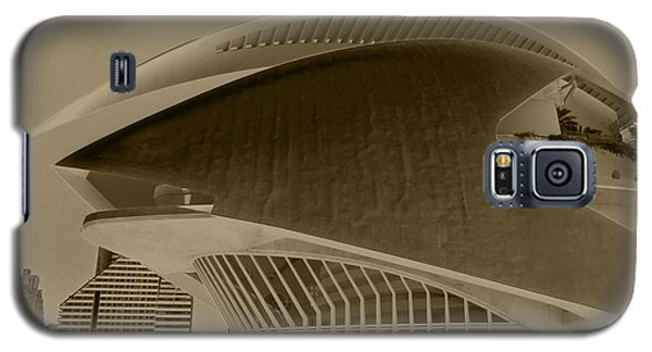 Galaxy S5 Case featuring the photograph L' Hemisferic - Valencia by Juergen Weiss