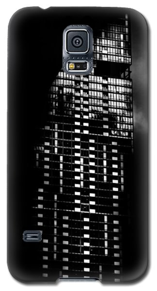 L Tower Toronto Canada Galaxy S5 Case by Brian Carson