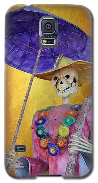Galaxy S5 Case featuring the photograph La Catrina With Purple Umbrella by Christine Till