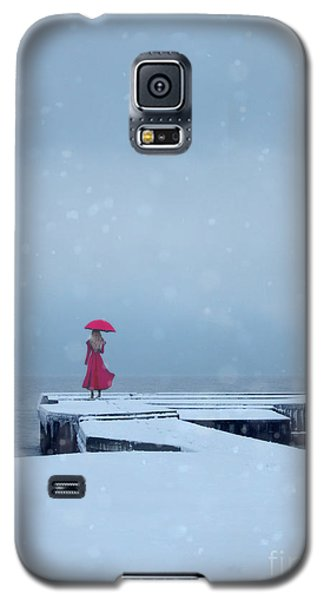 Lady In Red On Snowy Pier Galaxy S5 Case