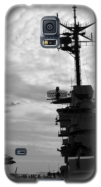 Galaxy S5 Case featuring the photograph Lady Lex by Tom DiFrancesca