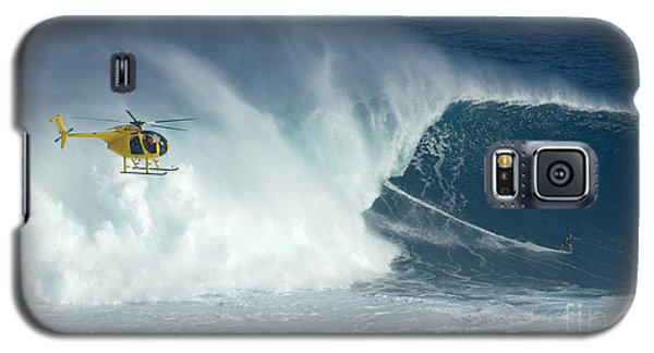 Laird Hamilton Going Left At Jaws Galaxy S5 Case