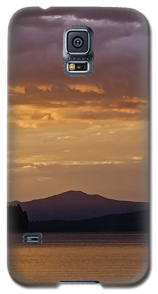 Galaxy S5 Case featuring the photograph Lake Almanor Sunset by Sherri Meyer