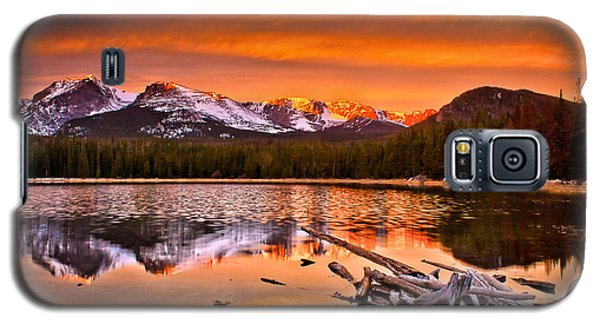 Galaxy S5 Case featuring the photograph Lake Bierstadt In The Morn by Steven Reed